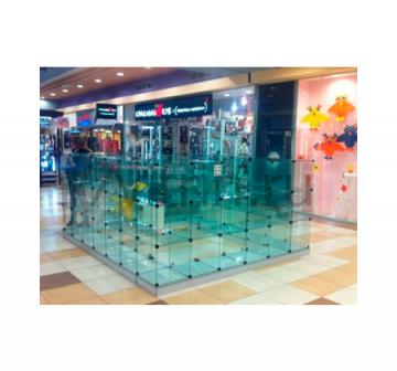Павильон из стеклянных кубиков