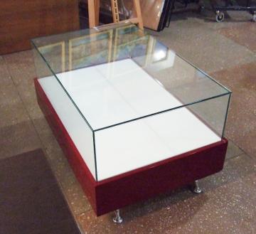 Стеклянный куб УФ